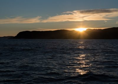sunrise-over-the-hills-near-upernavik-1809